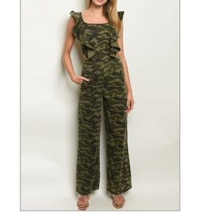 🆕 Camouflage Backless Ruffle Jumpsuit